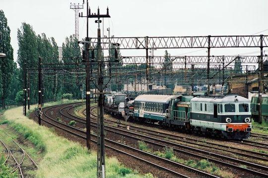 ST43 z włoskim pociągiem wojskowym z Prostyni