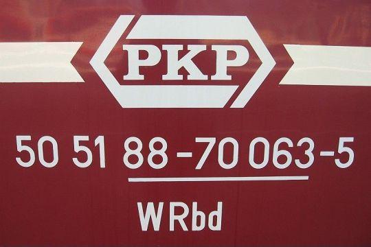 Przykładowe oznaczenie wagonu pasażerskiego