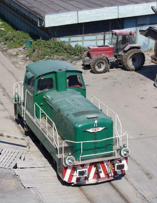 Trójosiowa manewrówka odpoczywa po pracy
