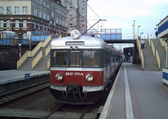 EN57-1701 jako pociąg osobowy do Kostrzyna