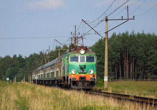 """""""Gruchot 435"""" na czele pociągu """"Rybak"""" do Szczecina"""