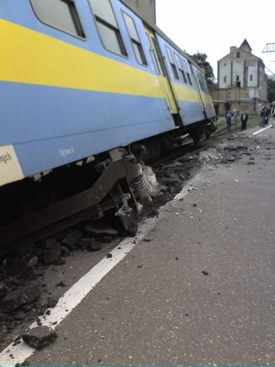 Peron uszkodzony przez EN57-1502