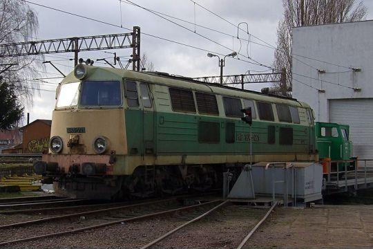 SU45-221 na terenie szczecińskiej lokomotywowni
