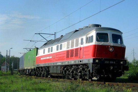 Lokomotywa BR232 w obsłudze pociągu PCC Rail zmierza z Brzegu Dolnego do szczecińskiego portu