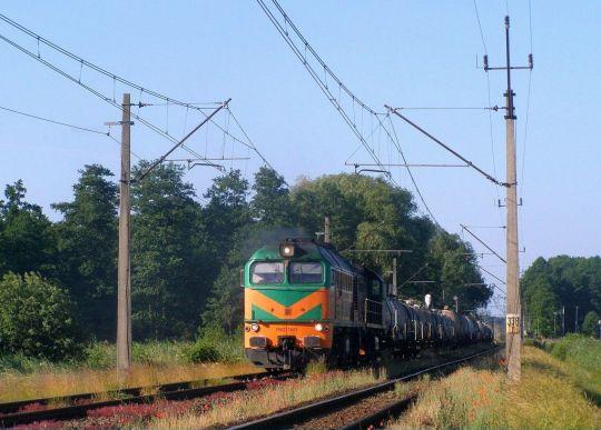 Mimo prawie 9-godzinnego opóźnienia obsługa pociągu 681685 niezbyt się spieszyła