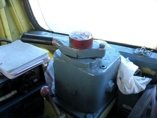 Hamulec zasadniczy Oerlikona stosowany m.in. w lokomotywach SM42