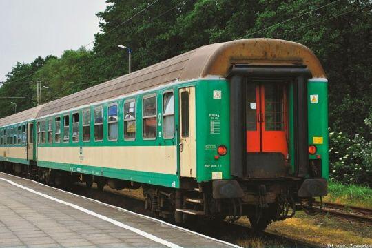 Jeden z najpopularniejszych i najbardziej rozpoznawalnych w kraju wagonów pasażerskich - do spotkania praktycznie w każdym pociągu pospiesznym