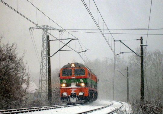 "Pada śnieg, pada śnieg, ""gagar"" po wagony gna..."