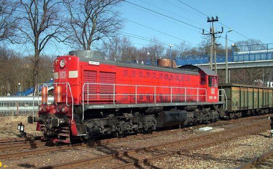 TEM2-189 podczas manewrów z węglarkami