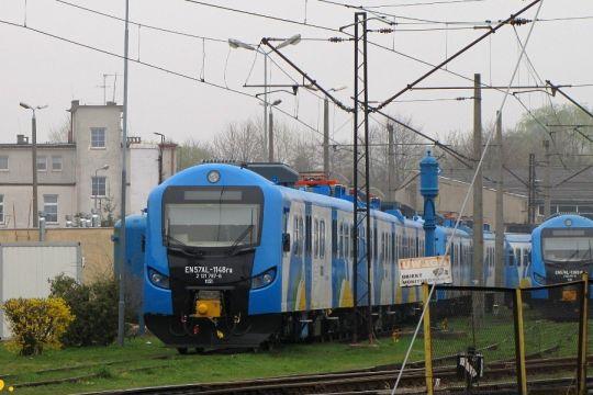 Zmodernizowana jednostka spędza sobotę na terenie lokomotywowni Kołobrzeg