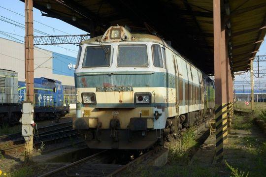 ET22-253 była ostatnią lokomotywą w Polsce w takim malowaniu